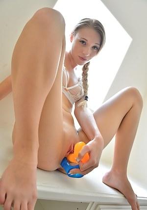 Girls Masturbation Porn Pictures