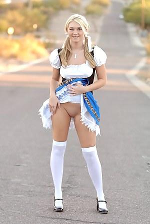 Girls Public Porn Pictures