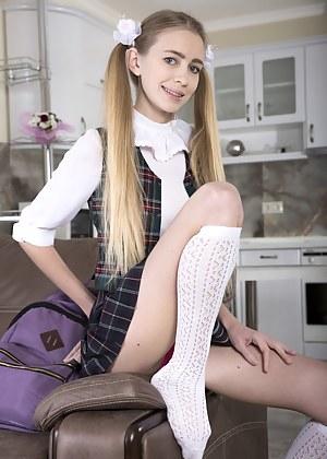 Stocking school girl pussy