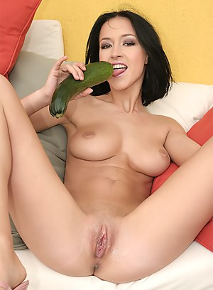 Girls Dildo Porn Pictures
